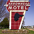 Tom_jones_arrowhead_motel