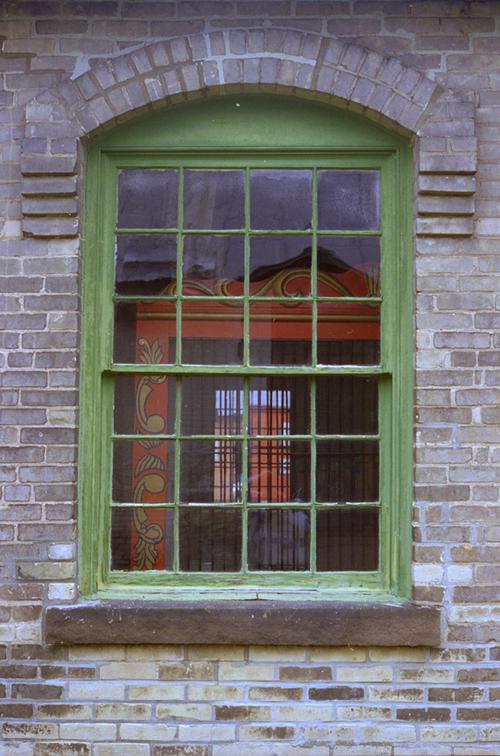 Amymcmillion_window2006